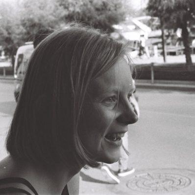 Verena Niepel lachend